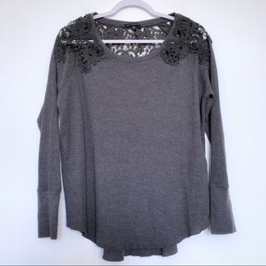 American Eagle Shoulder Lace Cut out Thermal Top M
